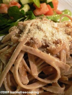 caramelized-onion-fettuccini-2