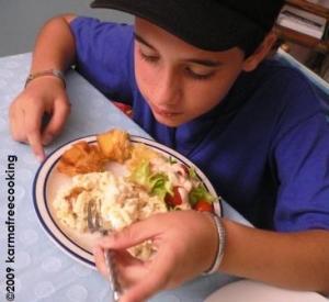 ignacio-eating